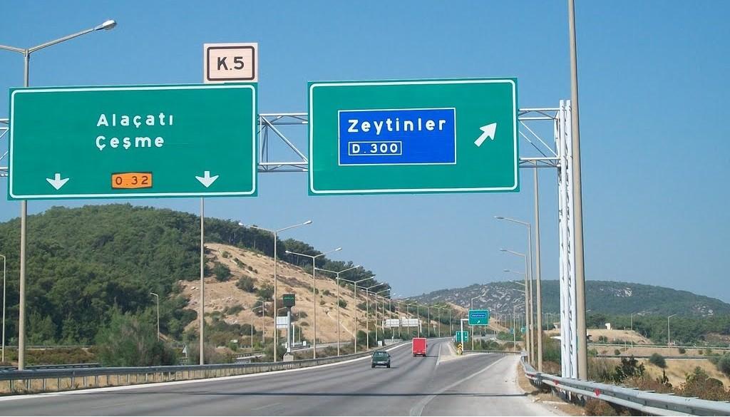 İzmir Çeşme Otobanı - Zeytinler Çıkışı